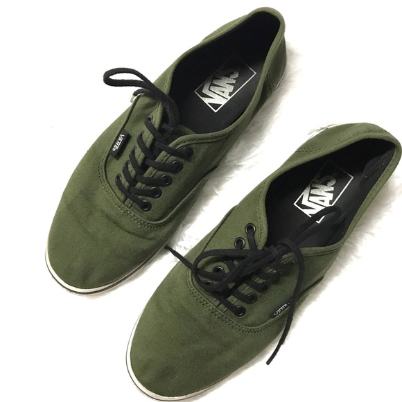 6ec1c09e1e1a0b 8.5 olive green vans sneakers. M 5ac38a091dffdae774d41dae